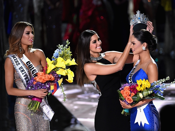 miss-universe-2015-shocker-miss-philippines-crowned-after-host-steve-harvey-flubs-miss-colombia-win
